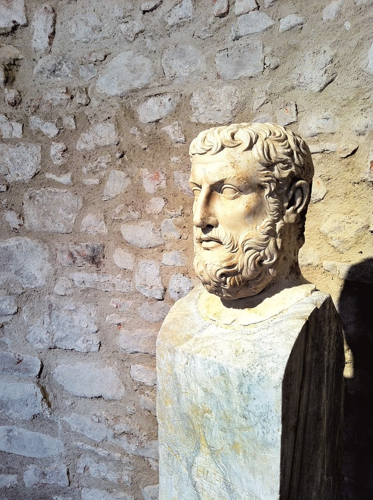 Ritratto di filosofo su erma iscritta Parmenide, Tota Italia alle origini di una Nazione