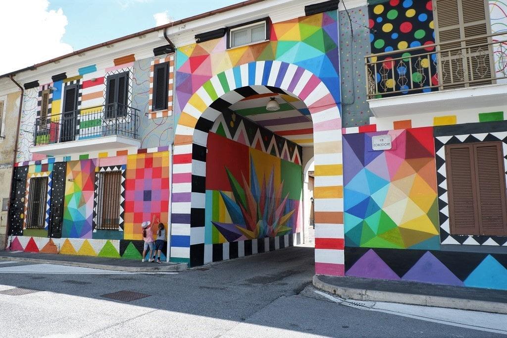Aielli il borgo dei murales in Abruzzo