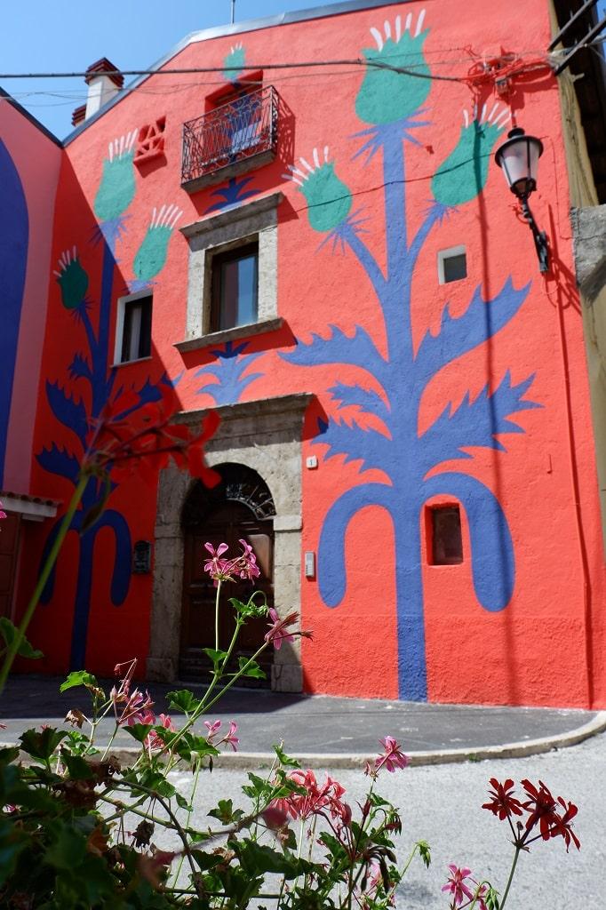 Uno dei murales di Aielli