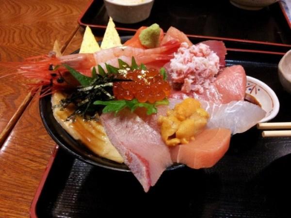 Sashimi nello stile di Kanazawa (foto di Patrick Colgan, 2013)
