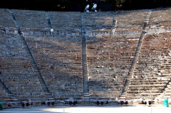 Viaggio in Grecia continentale: il teatro di Epidauro