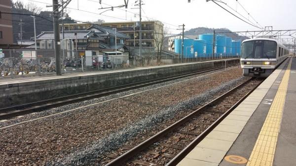 Un treno locale nella zona di Shiga