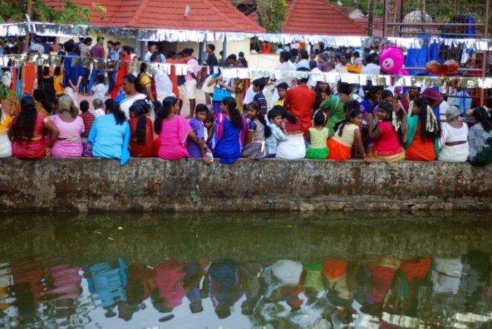 Fermata al villaggio nelle backwaters, Kerala