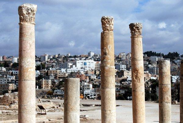Jerash, Giordania: la città vecchia e la nuova