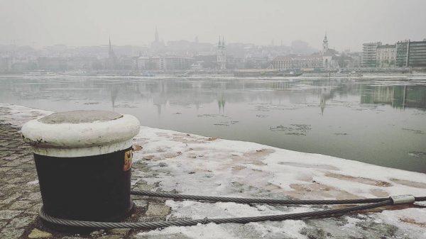 Il Danubio a Budapest in inverno