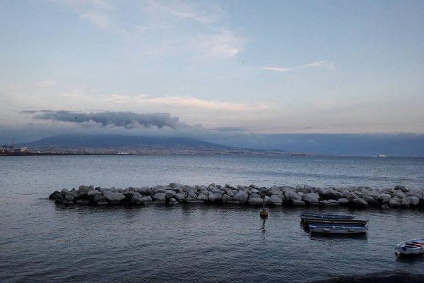 Il Vesuvio, Napoli