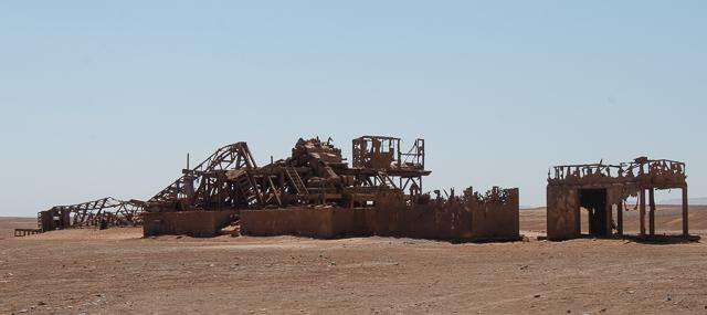 Il vecchio pozzo petrolifero abbandonato, Skeleton Coast, Namibia