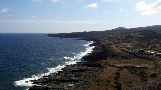 La costa di Pantelleria a settembre