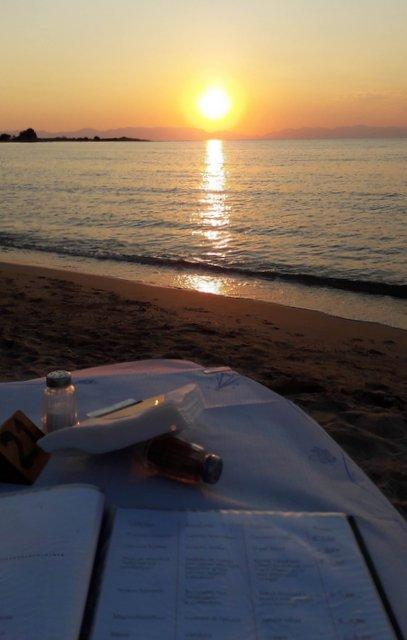 Una cena sul mare a Elafonisos