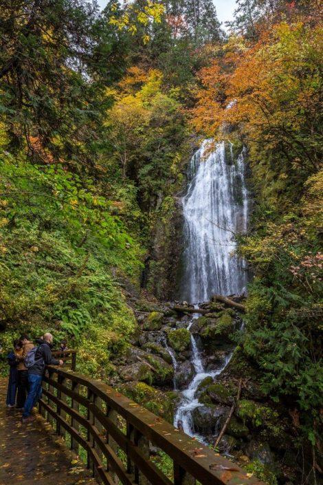 La cascata di Mikaeri (foto di Gianni Mezzadri, 2018)