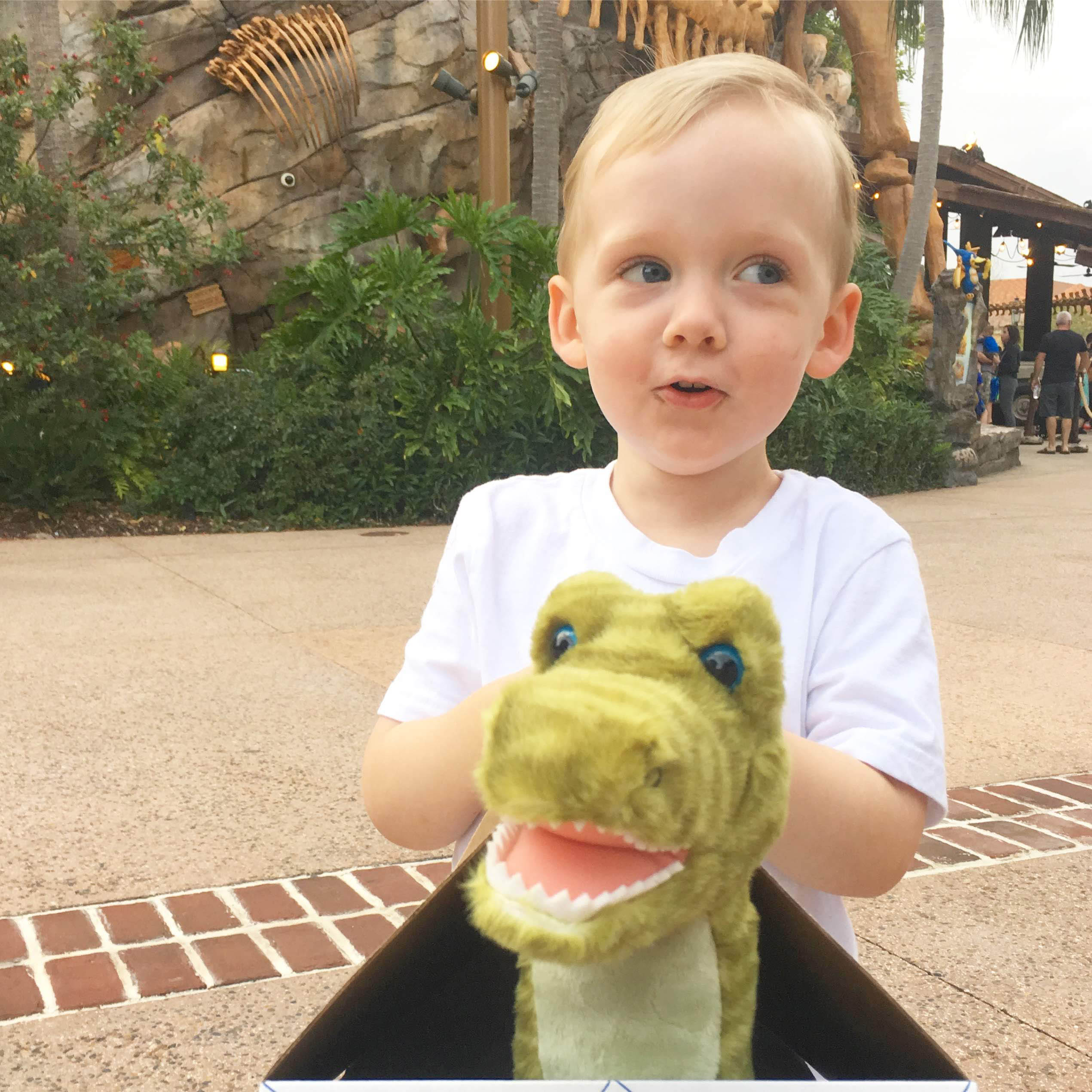 Family Date to T-Rex Cafe at Disney Springs!