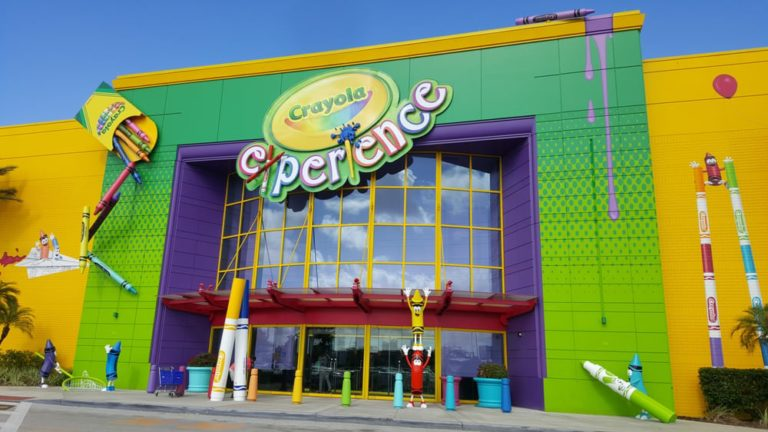 10 Tips for Visiting Crayola Experience