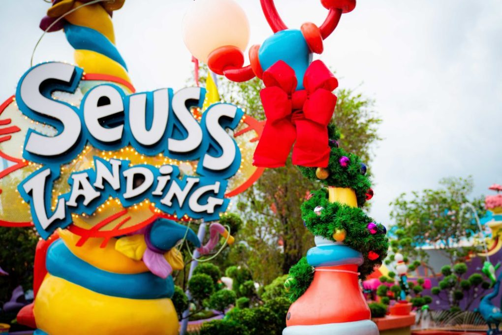 Christmas decorations at Islands of Adventure 2020