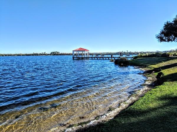 Places to walk in Orlando: image of lakeside shore at Harbor Park Lake Baldwin