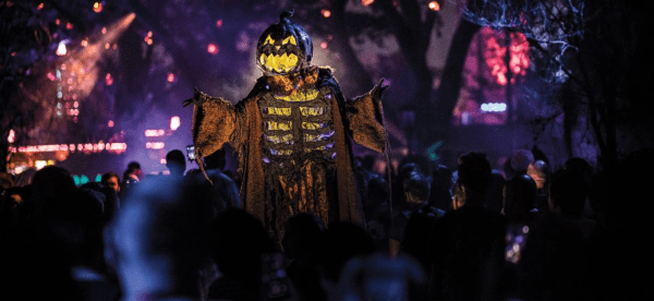Halloween Orlando: image of scare zone at Halloween Horror Nights