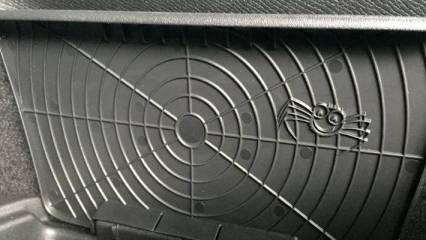 Volvo spider