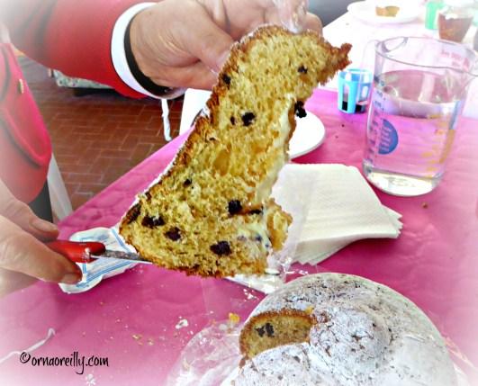 Cutting the Campana di Pasqua