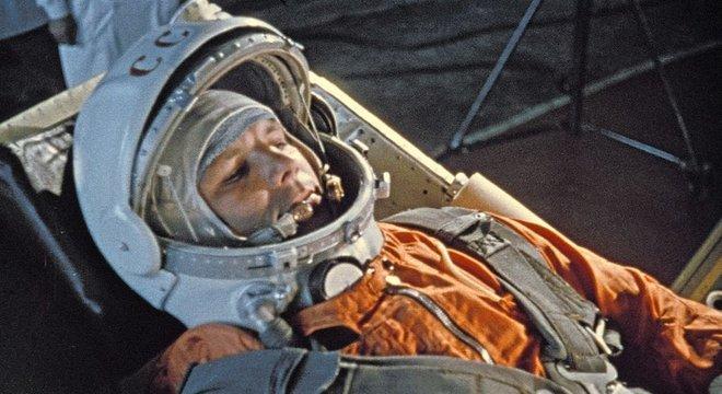 O traje que Gagarin usou em sua primeira viagem espacial permitiu que ele urinasse em pé, mas o novo design não tem braguilha
