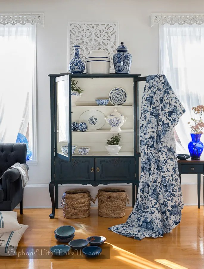 Blue And White China Cabinet Makeover Keep It Simple Orphans With Makeup