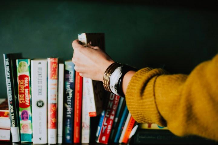 My first book club: 5 ladies, 5 books and one tiramisu!
