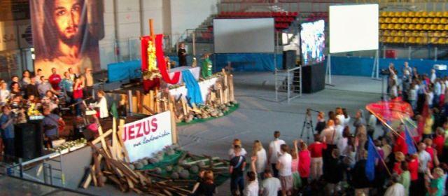 Jezus na nowotarskim lodowisku – od zaplecza