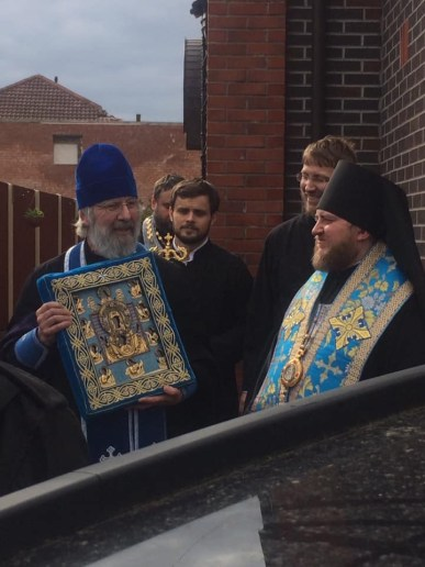 Archpriest Paul Elliott brings the Kursk-Root icon to visit the Sourozh parish in Manchester.