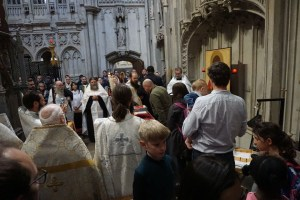 Faithful at the shrine of St Alban