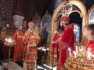Bishop Alexander greets Bishop Irenei and the faithful