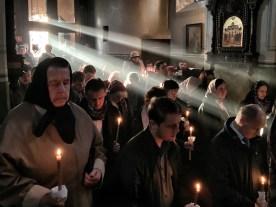 Dwanaście Pasyjnych Ewangelii to bardzo nastrojowe nabożeństwo