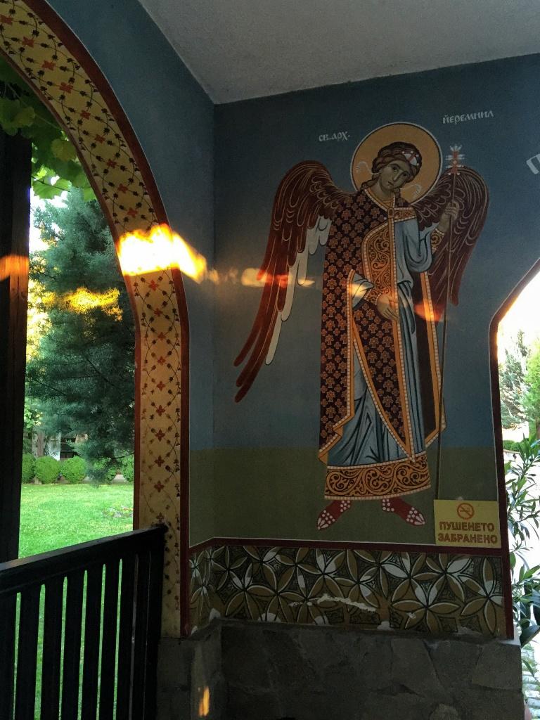 Wszechobecne freski w monasterze w Kyrdzali