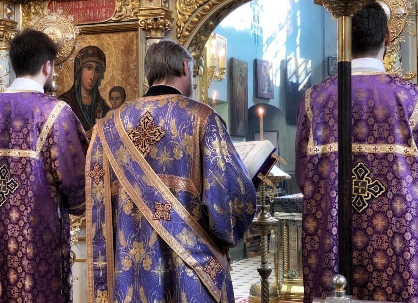 Czytanie Ewangelii w niedzielę Adoracji Krzyża Świętego