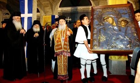 ΙΑΝΟΥΑΡΙΟΣ 2016 Η Άρτα προσκυνά το αντίγραφο της Παναγίας Παραμυθίας