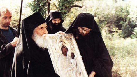 Ο Άγιος Γέροντας Παΐσιος και οι εμφανίσεις της Υπεραγίας Θεοτόκου