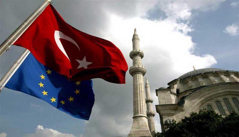 Η Τουρκία κερδίζει 70 δισεκατομμύρια από τα αδασμολόγητα προϊόντα της ΕΕ λόγω τελωνειακής ένωσης, τα οποία χρησιμοποιεί για υπερ-εξοπλισμούς και απειλές κατά της Ελλάδας.