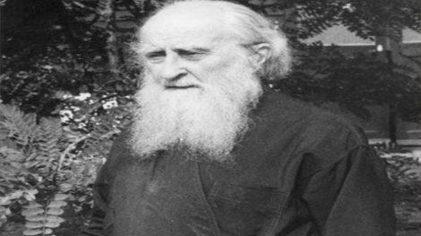 Άγιος Σωφρόνιος ο αγιορείτης: Η ανθρωπότητα πάσχει χωρίς τέλος