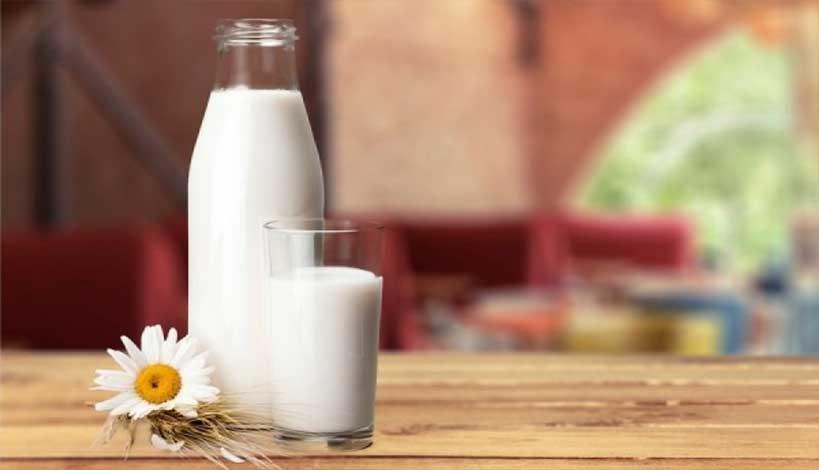 Ξαφνιάζουν τα νέα ευρήματα για το αγελαδινό γάλα: Αποτελεί αιτία καρκίνων;