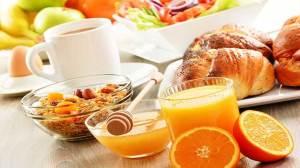 Πόσα γεύματα πρέπει να τρώω μέσα στη μέρα για να χάσω βάρος