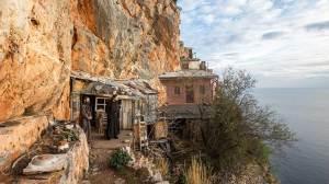 Άγιον Όρος: Γέροντας Σταμάτης, ο ληστής που έγινε μοναχός στα Καρούλια
