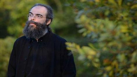 π. Ανδρέας Κονάνος: Όταν γυρίζω απ' το Άγιον Όρος, νιώθω μια γαλήνη που κρατά δέκα μέρες!