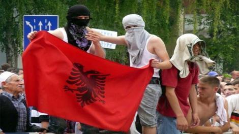 Τα Σκόπια οδεύουν προς... διχοτόμηση: Ο Γ. Ιβανόφ πραξικοπηματικά δεν αναγνώρισε την αλβανική γλώσσα