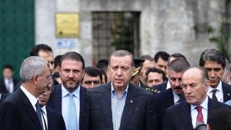 Σύμβουλος Ερντογάν : «Εάν οι Ελληνες μας προκαλέσουν στη θάλασσα θα τους βρει μεγάλη καταστροφή»!