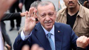 Η τουρκική οικονομία καταρρέει αλλά ο Ερντογάν επιμένει