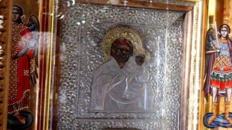 Παναγία η Σπηλιώτισσα: Στο πανηγύρι της μονής, τον Δεκαπενταύγουστο έβλεπαν την ίδια την Παναγία