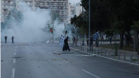 ΔΕΘ: Η αστυνομία «έπνιξε» τη Θεσσαλονίκη στα χημικά - Θύματα ακόμη και μικρά παιδιά
