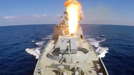 Πόρος: Έφτασε η ρωσική φρεγάτα Admiral Essen για τα 190 χρόνια ελληνορωσικών σχέσεων