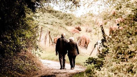 Γιατί στις μεγαλύτερες ηλικίες οι άνδρες έχουν καλύτερη υγεία από τις γυναίκες