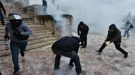 ΟΛαϊκός Σύνδεσμος - Χρυσή Αυγή απαντά στις κατηγορίες Μαξίμου για τα επεισόδια στο Συλλαλητήριο για την Μακεδονία στο Σύνταγμα
