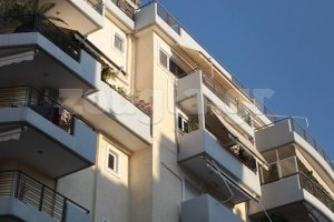 Εκτενές ρεπορτάζ - Έριξε το παιδί της από τον 5ο όροφο και μετά αυτοκτόνησε