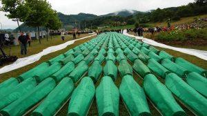 Ισόβια από τον ΟΗΕ στον Ράντοβαν Κάρατζιτς για τη σφαγή της Σρεμπρένιτσα