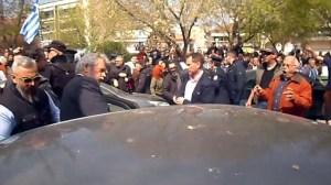 Σφοδρές αποδοκιμασίες σε βουλευτές του ΣΥΡΙΖΑ στην Κατερίνη - Δείτε βίντεο